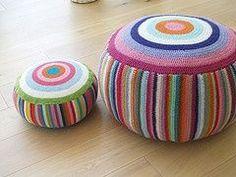 Crochet puff, great fun puffs in colour! Crochet Pouf, Crochet Cushions, Crochet Pillow, Love Crochet, Learn To Crochet, Crochet Circles, Crochet Home Decor, Crochet Accessories, Yarn Crafts