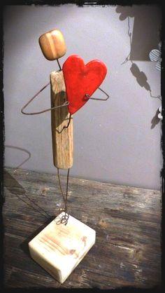 bois flotté … Plus by sheree Treibholz . Mehr von sheree Source by . Wire Crafts, Diy And Crafts, Arts And Crafts, Driftwood Projects, Driftwood Art, Junk Art, Woodworking Projects Diy, Woodworking Books, Woodworking Supplies