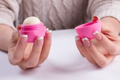 Ask any girl what her first ever makeup product was and she'd definitely answer with a smile — a lip balm! The journey from a basic lip balm to the bold red lipstick is nostalgic, isn't it? Beauty Nails, Diy Beauty, Lip Balm Ingredients, Beauty Salon Interior, Chapped Lips, Beauty Logo, Us Nails, Beauty Blender, Your Lips