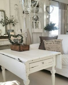 Love my old chabby table ❤ Dere, Shabby, Entryway Bench, Photo And Video, Storage, Table, Furniture, Instagram, Home Decor