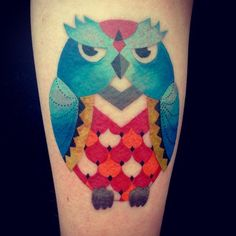 Little owl #owltattoo #owl #uggla #buho #uggletatuering #nooutlines #colortattoo #amandachanfreau #tattoo #tatuering #tatuaje #malmötattoo #aprentice #lärling #malortmalmo #malört #malörtmalmö #sweden #åland #finland #art #konst by amandachanfreau