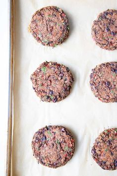 Easy Recipe for Black Bean Veggie Burgers. Wholesome plant based ingredients with a simple roasted red pepper sauce. Everything you want in a vegan burger, nothing you don't. Black Bean Veggie Burger, Bean Burger, Veggie Burgers, Easy Meal Prep, Easy Meals, Mini Sliders, Roasted Red Pepper Sauce, Black Bean Recipes, Burger Recipes