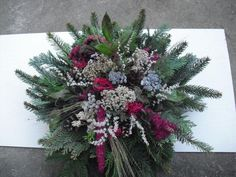 Christmas Wreaths, Christmas Decorations, Xmas, Holiday Decor, Funeral Flowers, Art Floral, Ikebana, Flower Power, Homemade