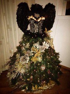 Deze kerstboompoppen zijn verschrikkelijk kitsch en zelfs een tikkeltje eng | WTF | Upcoming
