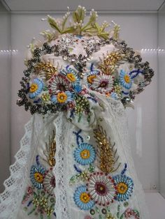 Paloc Beaded Embroidery, Embroidery Stitches, Embroidery Patterns, Hand Embroidery, Butterfly Embroidery, Floral Embroidery, Bridal Headdress, Braided Line, Hungarian Embroidery