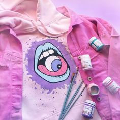 Ropa de bricolaje Funnel Cake funnel cake recipe without milk Painted Denim Jacket, Painted Jeans, Painted Clothes, Diy Jeans, Diy Clothing, Custom Clothes, Denim Kunst, Diy Fashion, Fashion Outfits