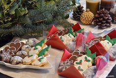 christmas cookies, b