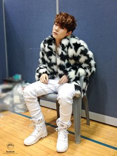 Suga at Seoul Music Awards, backstage