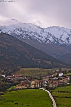 Village in the countryside. Tudanca, Cantabria, Spain.