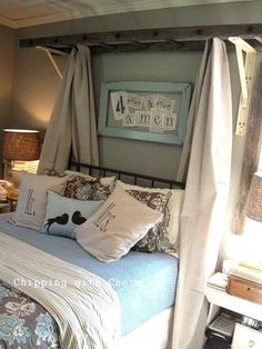 9 Admired Tips: Twin Canopy Bed entrance canopy black.Fabric Canopy Over Bed fabric canopy diy. Shabby Chic Bedrooms, Shabby Chic Furniture, Bedroom Furniture, Furniture Vintage, Furniture Ideas, Furniture Makeover, Furniture Cleaning, Furniture Nyc, Coaster Furniture