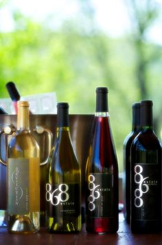 Mother's Day Picnic at 868 Estate Vineyards with goodies from Grandale Restaurant
