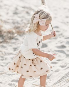 Rylee + Cru | Artistic and imaginative clothing for the modern child // Hair bow by Wundekrin Co.
