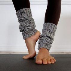 Šedé pletené návleky na nohy