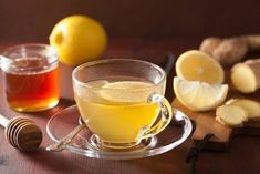 ginger-lemon-honey-tea This Miracle Ginger Tea to the Rescue For Colds, Flu, Liver, Kidney Stones Remedios Congestion Nasal, Kidney Detox, Tea Brands, Kidney Stones, Detox Tea, Natural Medicine, Herbalism, The Cure, Crunches