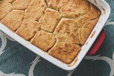 O Pudding Chômeur, que traduzido ao pé da letra significa pudim do desempregado, é uma sobremesa tradicional canadense, tipicamente da região de Québec e Acadian, criada na época da Grande Depressã…