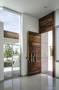 10 Puertas de madera que harán que tu entrada sea la más elegante de la cuadra & Puertas de Madera Sólida - A Pedido / Ignisterra | For the Home ... Pezcame.Com