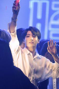 bts jungkook cute Quando eu preucuro minha me e nn acho Bts Jungkook, Jungkook Mignon, Taehyung, Jungkook Fanart, Jung Kook, Jikook, Dream Pop, Foto Bts, Busan