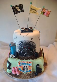 Music festival cake. By Granny Jacks Cakes.