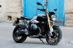 http://www.cycleworld.com/2013/10/17/2014-bmw-r-ninet-first-look-review-photos/  BMW RnineT