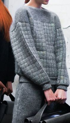 grey knitwear by Alexander Wang Fashion Details, Look Fashion, High Fashion, Fashion Design, Fashion Week, Street Fashion, Winter Fashion, Fashion Trends, Style Outfits