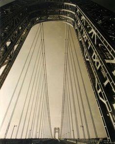 Edward Steichen, George Washington Bridge, New York, The triumphant optimist, a modern vision of society's progress which became an icon during its era