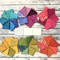 Paper Piecing Batik Quilts is a fantastic way to decorate your space. These quilts are available in many different styles and colours. A Batik Quilt is made… Continue Reading → Lone Star Quilt Pattern, Star Quilt Patterns, Paper Piecing Patterns, Hexagon Patchwork, Hexagon Quilt, Quilting Projects, Quilting Designs, Millefiori Quilts, Quilts Online