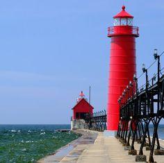 Grand Haven South Pierhead Inner Light, built in 1905, Lake Michigan, MI, USA