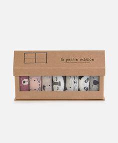 7-pack of little animal socks - Socks - Autumn Winter 2016 trends in women fashion at Oysho online. Lingerie, pyjamas, sportswear, shoes, accessories, body shapers, beachwear and swimsuits & bikinis.