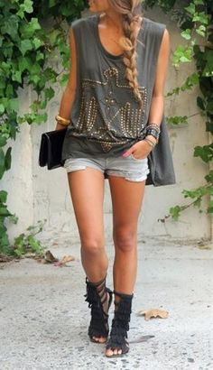 cute summer outfit! love the shoes they are a must have