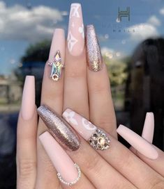 with ・・・ Happy Thursday. Nude Nails, Coffin Nails, Nailed It, Long Acrylic Nails, Stylish Nails, Happy Thursday, Nail Trends, Nail Care, Nail Colors