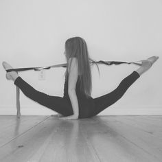 Over Splits, Anna Mcnulty, Contortionist, Cheer Dance, Dance Photos, Acro, Yoga Challenge, Cheerleading, Gymnastics