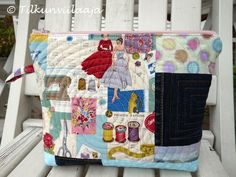 Circles of High Society zippered pouch by Tilkunviilaaja -- Seurapiirit-pussukka