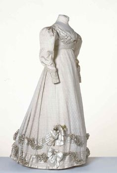 1825. #Regency #dress #1800s #vintage #antique #costume #historical #clothing #white