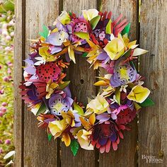 A wreath that doesn't shy away from tough rain or sun.