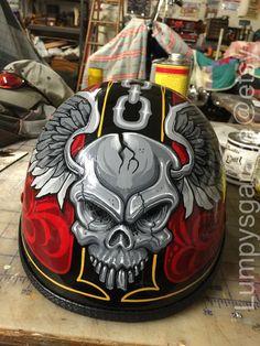 Custom Motorcycle Paint Jobs, Motorcycle Helmet Design, Biker Helmets, Motorcycle Art, Skull Painting, Air Brush Painting, Pinstripe Art, Chopper, Helmet Paint