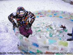 Aus Schnee, Wasser und Hunderten Milchkartons bauen die Zwei einen wetterfesten Iglu zum Übernachten Interessante Neuigkeiten aus der Welt auf BuzzerStar.com : BuzzerStar News - http://www.buzzerstar.com/aus-schnee-wasser-und-hunderten-milchkartons-bauen-die-zwei-einen-wetterfesten-iglu-zum-uebernachten-a448c5826.html