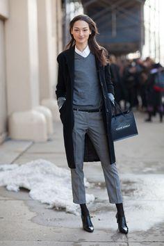 Street Style Autunno 2013 - New York Fashion Week Street Style - Harpers Bazaar. Adoro il look elegante che ha e colori. Per ulteriori donne moda su www.misspool.com