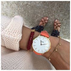 Whether with bright or neutral colours – our flamingo rose gold watch will match all your outfits.