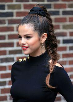 Image about selena gomez in Celebraties by Most Beautiful Women, Beautiful People, Selena Gomez The Weeknd, Marie Gomez, Beauty Queens, Demi Lovato, Hair Inspo, Her Hair, Celebrity Style