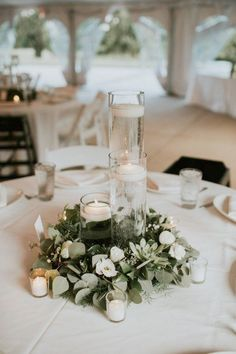 Wedding Budget 30 Greenery Wedding Decor Ideas: Budget Friendly Wedding Trend - Greenery wedding decor is easy way to add nature and style to your reception. Greenery is a wonderful alternative to florals, that will give a lush look. Trendy Wedding, Dream Wedding, Wedding Trends, Wedding Rustic, Elegant Wedding, Wedding Greenery, Minimalist Wedding Reception, Wedding Affordable, Romantic Wedding Decor