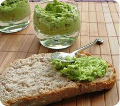 Zucchini pesto for healthy appetizers or to give taste to your pas . Zucchini Tarte, Zucchini Pesto, Raw Food Recipes, Vegetarian Recipes, Healthy Recipes, Fall Recipes, Dessert Recipes, Food Porn, Pesto Sauce