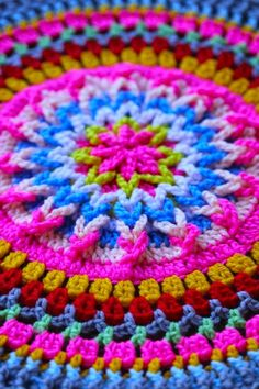 Mandala Motif By Sarah London - Purchased Crochet Pattern - (saralondon. Crochet Diy, Crochet Home, Love Crochet, Beautiful Crochet, Crochet Crafts, Crochet Projects, Diy Crafts, Crochet Round, Double Crochet