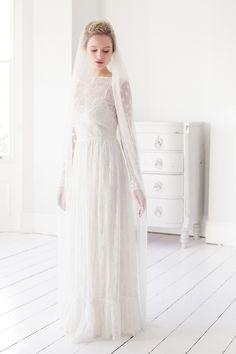 Polka-dot-wedding-veil--Dot--Britten-weddings-(4)