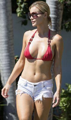 Joanna Krupa Pokies in her Red Bikini Top Red Bikini Top, Bikini Tops, Hot Shorts, Hot Pants, Beach Bunny Swimwear, Joanna Krupa, Christina Milian, Si Swimsuit, Victoria Secret Fashion