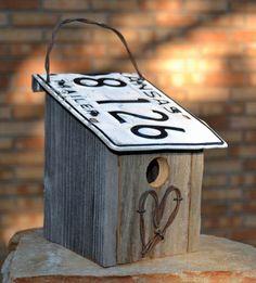 Rustic birdhouse - Farm house birdhouse - Rustic heart. $25.00, via Etsy. MATT needs to make this!!!