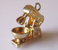 Gold Food Mixer Charm Opens by TrueVintageCharms on Etsy. This reps thy r charmed w my writings re BenBeckmann MOB toxic chems in my fools/water&my children&Dave Beckmann's. Thy say thy r golden. Vintage Charm Bracelet, Charm Jewelry, Vintage Jewelry, Fine Jewelry, Clean Sterling Silver, Sterling Silver Bracelets, Ankle Bracelets, Jewelry Bracelets, Jewelery