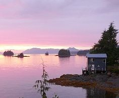 Coho Beach House - Prime Living on the Water in Ketchikan