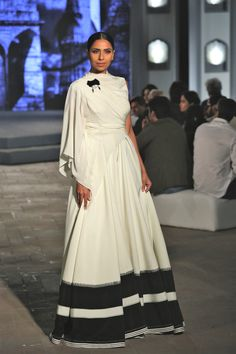 By designer Shantanu Nikhil. Bridelan - Personal shopper & style consultants for Indian/NRI weddings, website www.bridelan.com #ShantanuNikhil #IndianDesigner #SpringSummer2017 #Menswear #Womenswear #BridalWear #Groomswear #BridalStyling #Groomstyling #Drapes #PersonalShoppersIndia #Bridelan #BridelanIndia African Inspired Fashion, African Fashion Dresses, Indian Dresses, Abaya Fashion, Ethnic Fashion, Indian Fashion, African Wear, African Dress, Anarkali