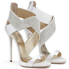 Giuseppe Zanotti Ella (2.740 BRL) ❤ liked on Polyvore featuring shoes, sandals, bridal shoes, giuseppe zanotti sandals, white platform sandals, high heel wedding shoes and white high heel shoes #giuseppezanottiheelswedding #giuseppezanottiheelswhite #weddingshoes