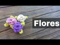 Como tejer flores de 5 petalos a crochet muy facil!//How to make flowers of 5 petals woven easy! Crochet Chart, Crochet Motif, Crochet Designs, Crochet Doilies, Crochet Flowers, Crochet Patterns, Cute Crafts, Diy And Crafts, Learn How To Knit